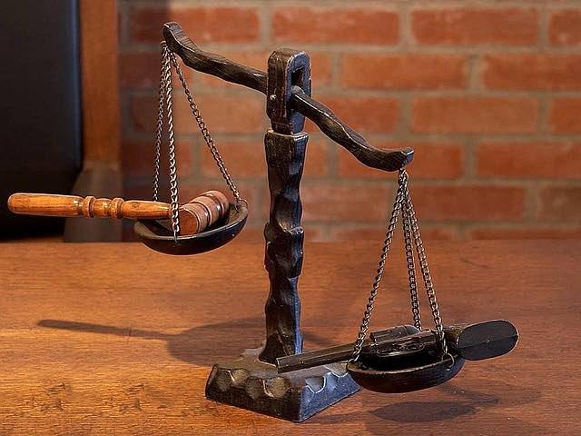 Comment faire pour choisir un avocat ?