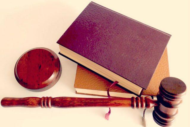 Devenir huissier de justice : les étapes à franchir