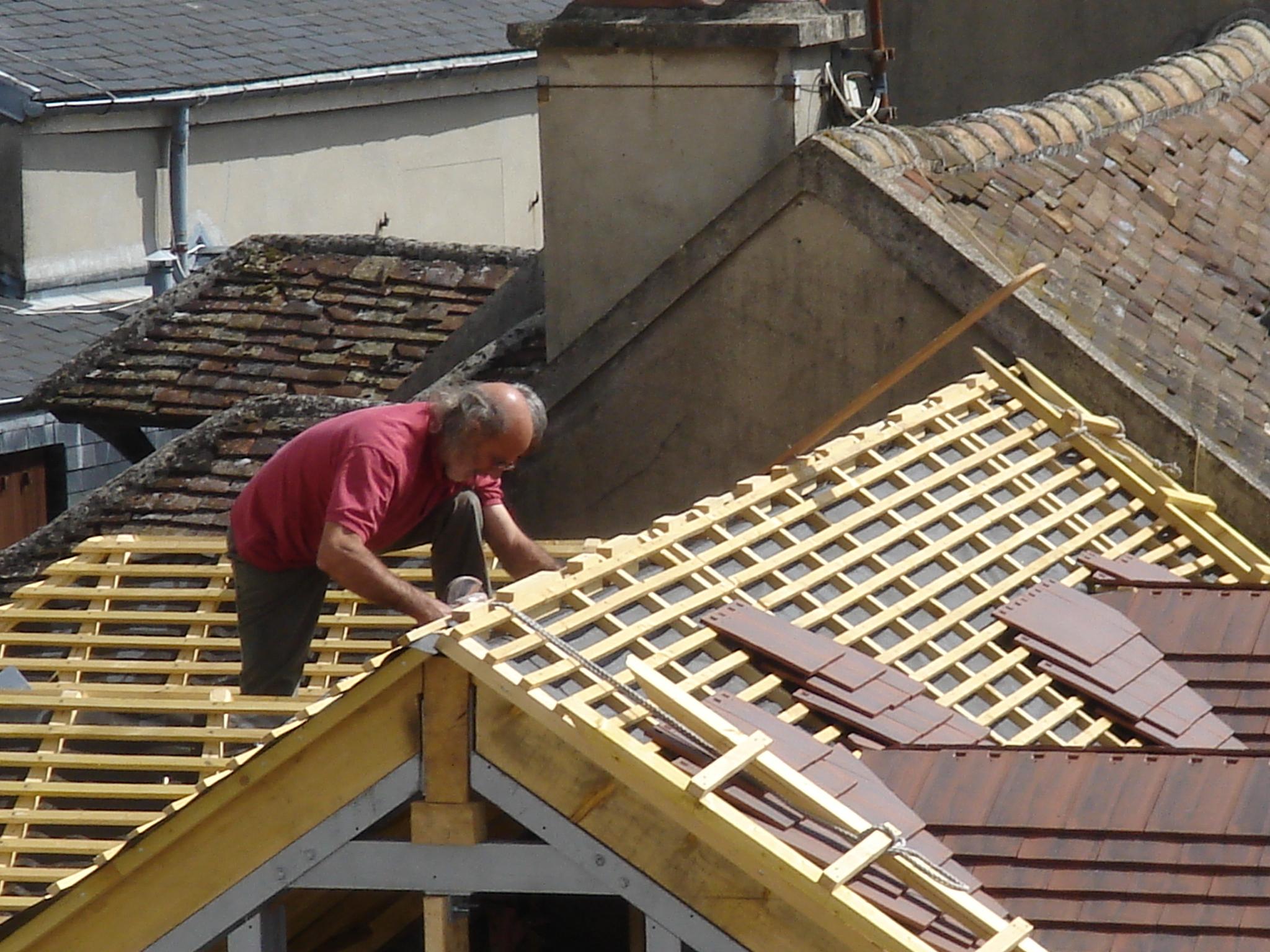 Artisan couvreur pour réparation de la toiture