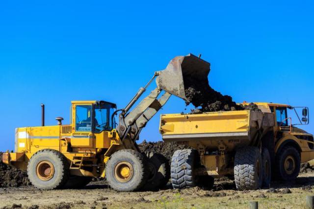 Comment investir dans les engins de chantiers